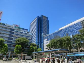 JR武蔵小杉駅から見た武蔵小杉タワープレイス