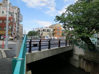 綱島街道の「櫓橋」