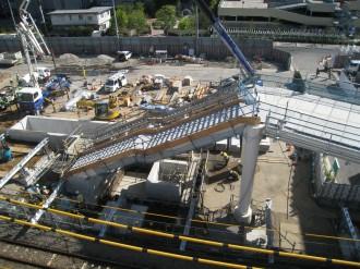 跨線橋の横須賀線側階段