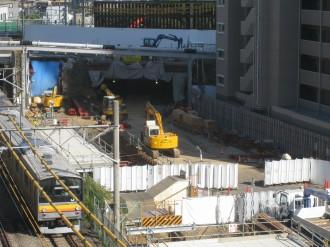 上丸子跨線橋下部のトンネル工事