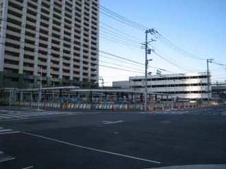 横須賀線武蔵小杉新駅ロータリー前の交差点