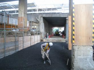 レジデンス・ザ・武蔵小杉側から改札口への通路