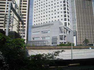 横須賀線武蔵小杉駅から見る中原消防署