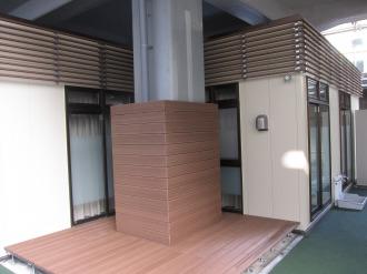 新幹線高架の柱
