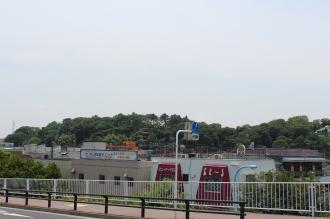 新川崎駅前から見た夢見ヶ崎